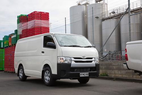 f114f955c0 New Hiace improves safety and comfort